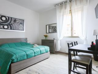 Nice Condo with Internet Access and Washing Machine - Bologna vacation rentals
