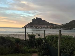 Beautiful 2 bedroom Condo in Hout Bay with Shared Indoor Pool - Hout Bay vacation rentals