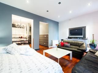 2b-2bth Boutique-home Fuencarral St - Madrid vacation rentals