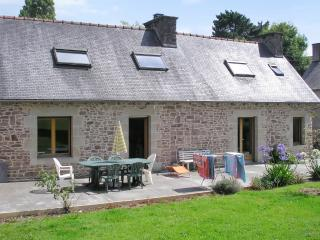 Beautiful stone house with garden, in Brittany - Allineuc vacation rentals