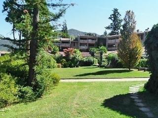2 bedroom Apartment with Short Breaks Allowed in Porto Valtravaglia - Porto Valtravaglia vacation rentals