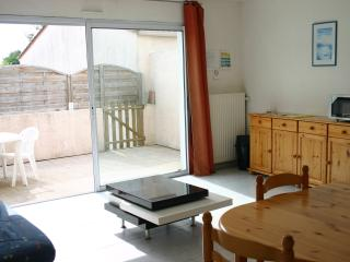 Romantic 1 bedroom La Mothe Achard House with Microwave - La Mothe Achard vacation rentals