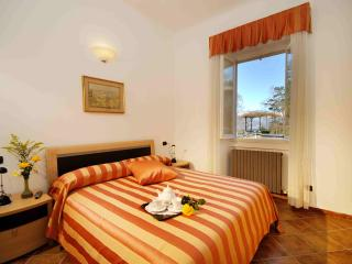 Charming apartment in the heart of Bellagio - Bellagio vacation rentals