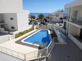 Stylish, modern townhouse, 150m to beach - La Mata vacation rentals