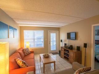 Beautiful South Padre Island vacation Apartment with Garden - South Padre Island vacation rentals