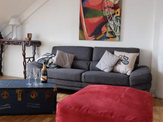 Ruz, top floor with views over medieval centre - Vannes vacation rentals