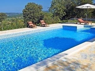 Sunny House with Internet Access and Dishwasher - Boljun vacation rentals