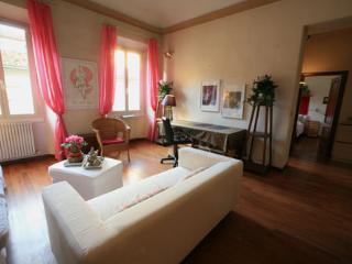 Rex Santa Croce apartment - Florence vacation rentals