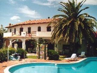 Bright 4 bedroom Pula Villa with Television - Pula vacation rentals