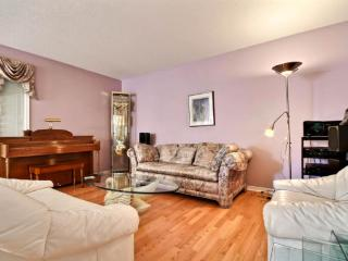 Condo furnished and fully equipped - Gatineau vacation rentals