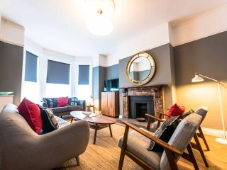 Spacious Townhouse - Queens Quarter - Belfast vacation rentals