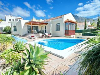 Cozy Villa with Internet Access and Dishwasher - Costa Adeje vacation rentals
