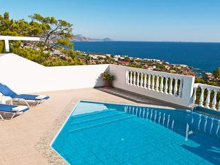Afroditi,nice villa,superb view to the sea,6+1pers - Achlia vacation rentals