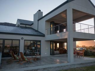Perfect House with Television and Microwave - Betty's Bay vacation rentals