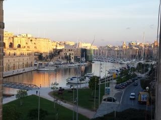 Charming Bed and Breakfast with Television and Water Views - Cospicua (Bormla) vacation rentals