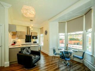 Cliffords Reach flat city centre one bed sleeps 4 - York vacation rentals