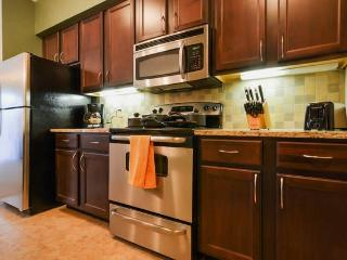 2206 Executive 2BR Suite - Lenexa!! - Lenexa vacation rentals