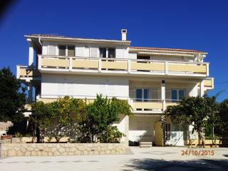 Big 5 person apartment with balcony - Novalja vacation rentals