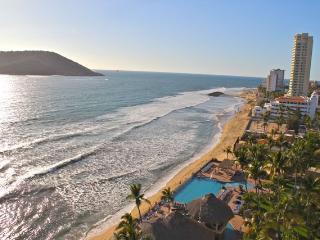 Islas del Sol 1209: Sun, sand and surf! - Mazatlan vacation rentals