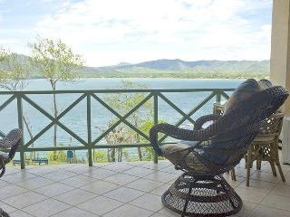 Comfortable Oceanview Condo - Sleeps 4 - Playa Flamingo vacation rentals