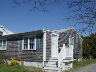 Lovely cottage close to Beach JUST REDUCED TO A NEW LOW  BARGAIN PRICE!!! - Sandwich vacation rentals