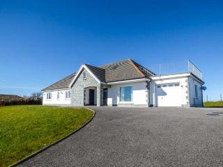 LLYGAD YR HAUL, detached, all ground floor, en-suite, parking, garden, in Meinciau, Llanelli, Ref 933252 - Llanelli vacation rentals