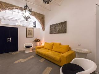 Navona square apartment - enjoy your stay - Rome vacation rentals