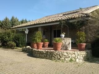 Cozy 3 bedroom Villa in Caltanissetta - Caltanissetta vacation rentals