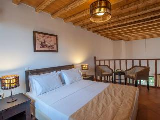 Luxury Maisonette at Monastiri - Varos vacation rentals