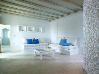 Charming Apartment in Pollonia - Pollonia vacation rentals
