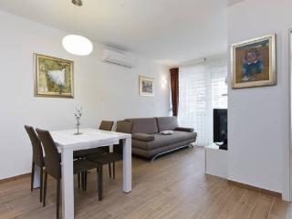 New Deluxe apartment IN THE CENTER-breakfast - Split vacation rentals