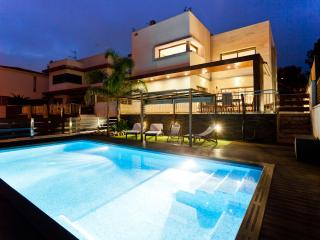 Perfect Villa with Internet Access and A/C - Sitges vacation rentals