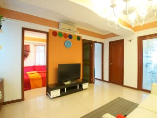 3- Bdr In the center of the city by MTR 131 - Hong Kong vacation rentals