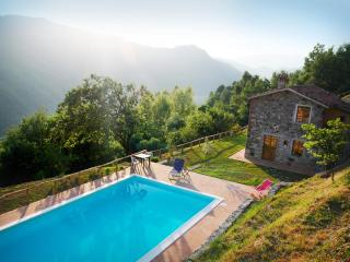 Nice House with Internet Access and Private Outdoor Pool - Fosciandora vacation rentals