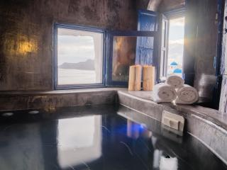 1 bedroom Villa with Water Views in Oia - Oia vacation rentals