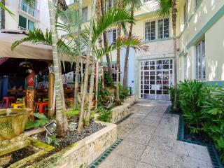 Art Deco Ocean Drive on the Beach With Wifi - Miami Beach vacation rentals