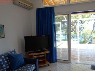 SeaFront 2,family-friendly Bungalow - Sounio vacation rentals