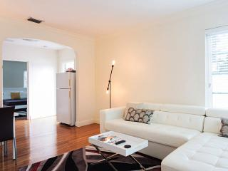 Walk to Lincoln Rd. Art Deco, Free Wifi & Parking - Miami Beach vacation rentals