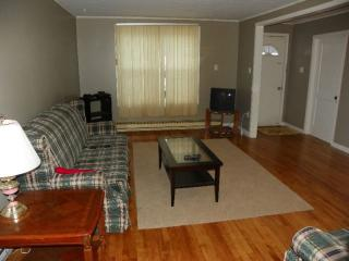 Nice House with Dishwasher and Satellite Or Cable TV - Placentia vacation rentals