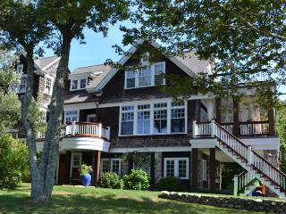 Waterfront Great Gatsby Beach Cottage, Luxurious - Wakefield vacation rentals