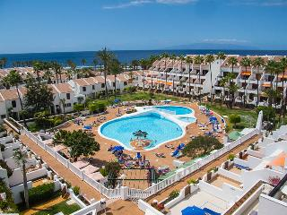 Parque Santiago 2: 2 bed Duplex / sleeps 6. - Playa de las Americas vacation rentals