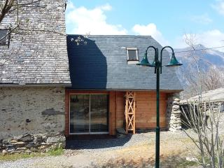 Cozy 2 bedroom Barn in Ayros-Arbouix - Ayros-Arbouix vacation rentals