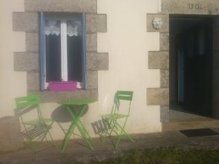 Cozy Scrignac vacation House with Internet Access - Scrignac vacation rentals