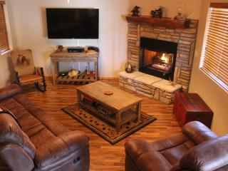 Cozy, Clean, Quiet and Peaceful Cabin under the Pine!  FreeWIFI - Show Low vacation rentals