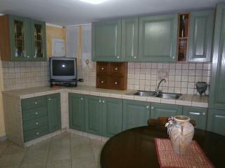 Romantic 1 bedroom Enna House with Housekeeping Included - Enna vacation rentals