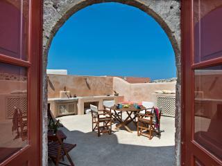 Villa Amalia sleeps 9 by Thireon - Oia vacation rentals
