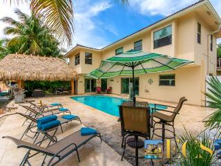Perfect House with Deck and Internet Access - Fort Lauderdale vacation rentals
