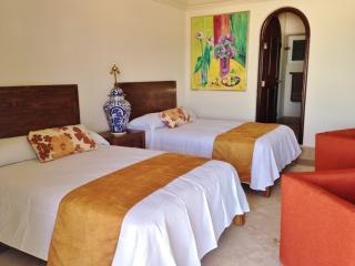 Beautiful Studio Room at Residencial del Mar - Cancun vacation rentals