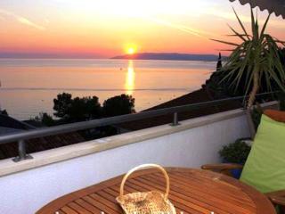 Modern Beach Apartm., amazing seaview, 300 m cente - Makarska vacation rentals