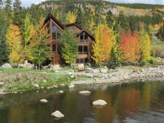 Blue River Luxury Home w/Mountain Views 1.5 Miles from Downtown Breckenridge - Breckenridge vacation rentals